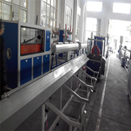 塑料PVC管材生产线