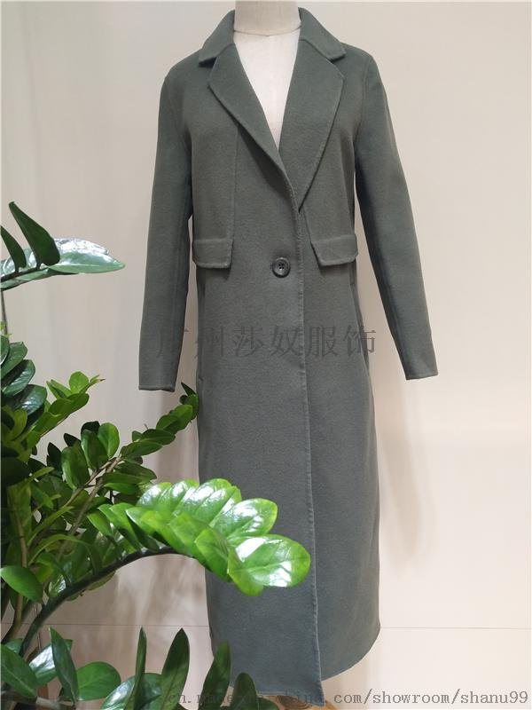 2017新款**双面羊绒大衣女装折扣批发手工缝制羊绒大衣批发