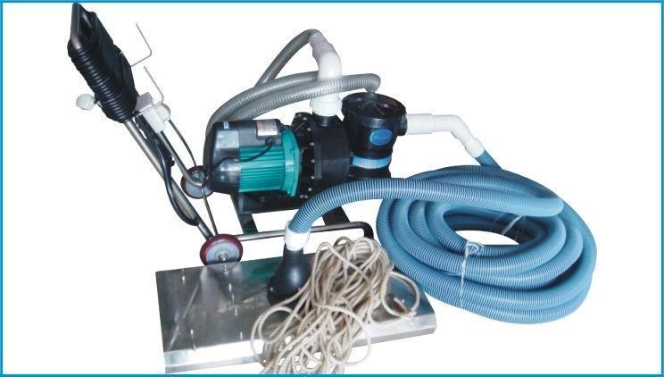供应游泳池清洁设备-手动吸污机