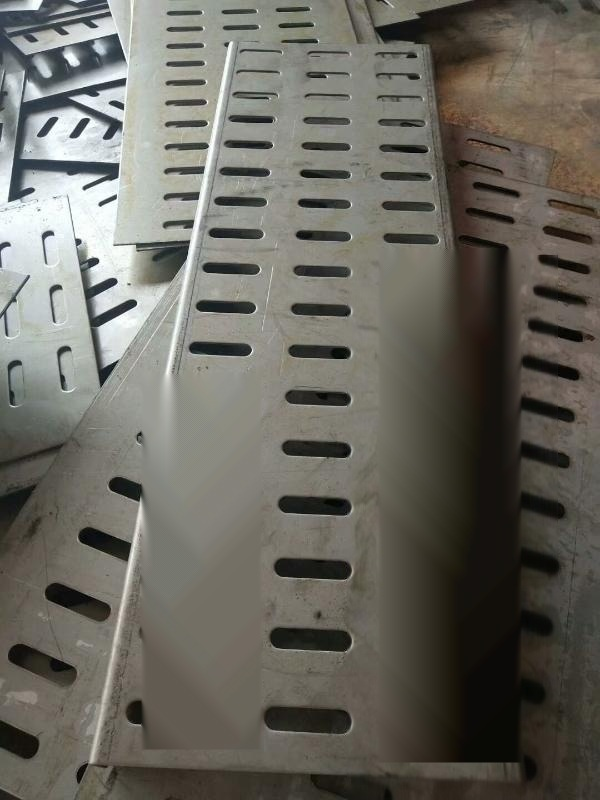 洗砂機篩板衝孔篩板廠家批發定做橢圓孔耐磨錳鋼篩片