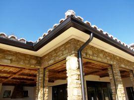 河南**的别墅排水天沟,雨水槽,PVC成品檐沟,PVC天沟落水系统