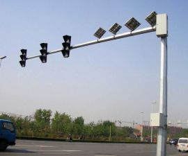 鑫辰灯饰太阳能交通信号灯