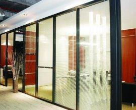 铝型材与玻璃或者板材组装的潍坊成品隔断墙