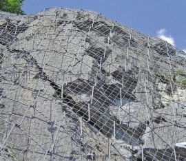 生產絲網老廠,廠家直供防護網,及邊坡防護網施工