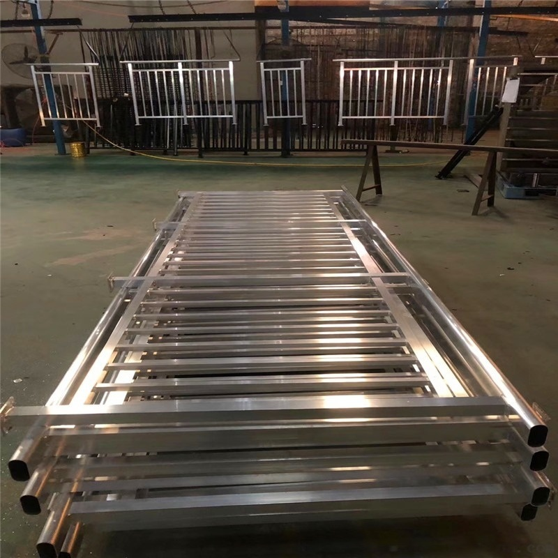 連廊鋁合金防護圍欄 跑馬場安全鋁合金護欄