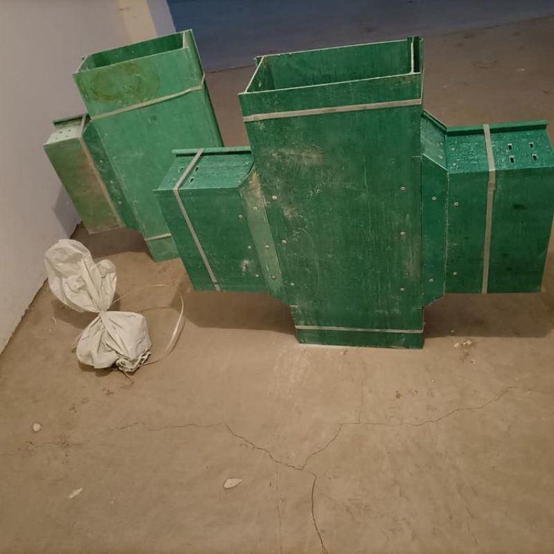 玻璃钢电缆槽盒邮政通讯环氧树脂电缆桥架
