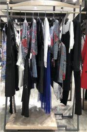 东莞品牌女装艾利欧时尚潮流服装市场
