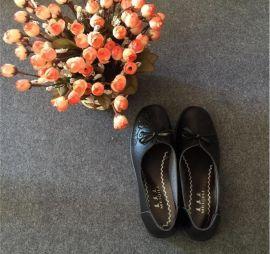 跑江湖地摊中老年女鞋妈妈软布鞋25元模式货源