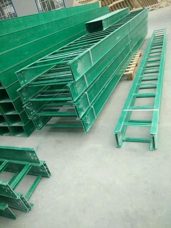 胶州玻璃钢封锁式电缆桥架 整体拉制桥架