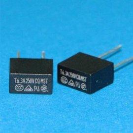 功得CONQUER MST 040 300V黑色方块形保险丝