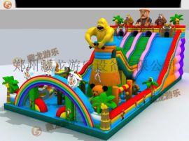 室外充气城堡,节假日周末广场上孩子们玩的充气滑梯蹦床,卡通充气城堡