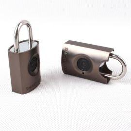 指纹锁全自动智能IP67防水应急充电指纹锁方案开发蓝牙挂锁
