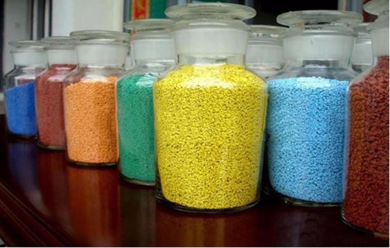 上海桓石陶瓷颗粒路面,彩色防滑路面,陶瓷颗粒粘合剂