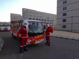 圣诞老爷爷全封闭四轮十四座观光车