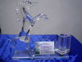 水晶纪念品物美品优 广州滕洪水晶专业生产m-299型水晶纪念品 水晶礼品 水晶工艺品