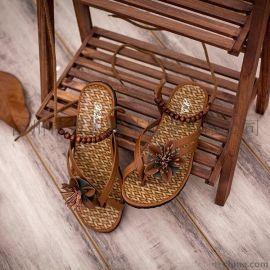 951女鞋时尚新款夹脚沙滩平底凉鞋