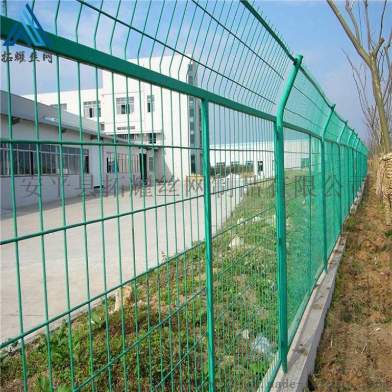 绿色框架护栏网_高速浸塑框架围栏网价格