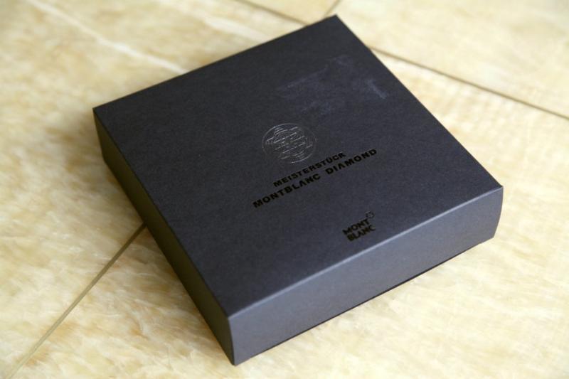 300克黑卡服装吊牌纸袋