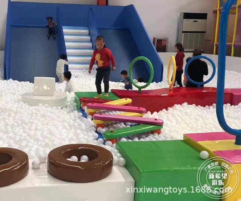 仿真雪百万球池滑梯 冰雪主题欢乐海洋球世界 商场中庭游乐设备