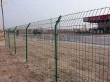 公路護欄網浸塑雙邊絲護欄網上海公園隔離護欄網三角折彎護欄網