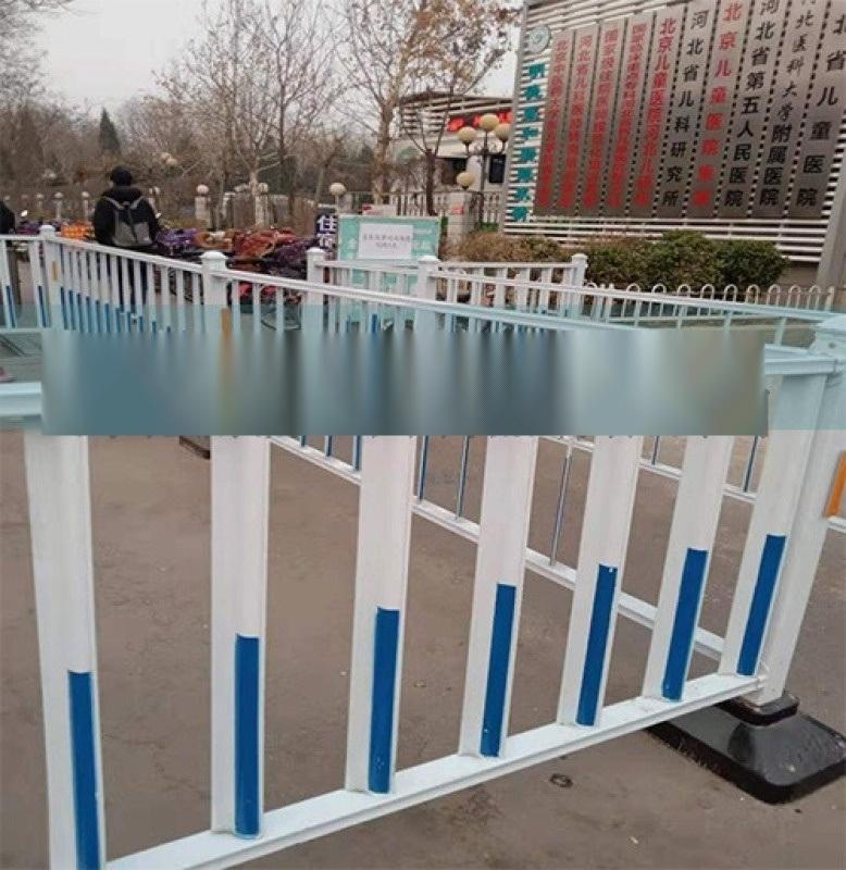 鐵馬護欄 交通設備施工欄 道路隔離防護欄 鐵馬臨時移動安全圍欄