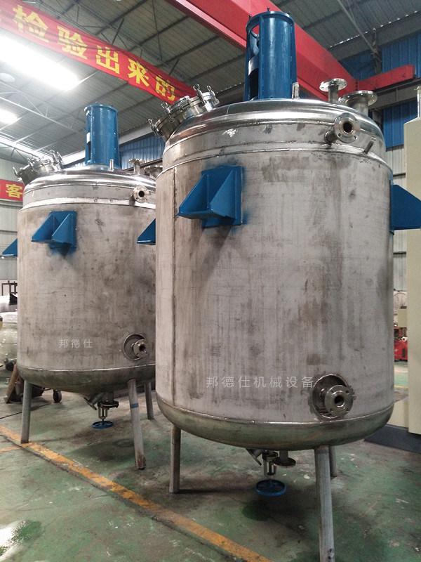 供应3000L不锈钢反应釜 民用胶成套生产设备