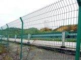 四川高速公路护栏网到《四川鑫海》专业加工订做护栏网!