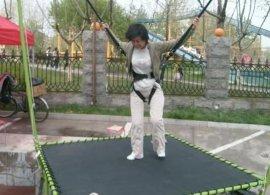 儿童蹦极设备 儿童钢架蹦极跳床 蹦极弹力绳