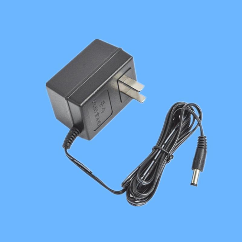 4.5V 300mA直流電源 插牆式線性電源