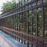 @利坤丝网现货供应锌钢铁艺护栏