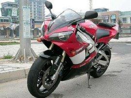 摩托车 (YZF-R1)
