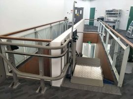 启运电动平台轮椅升降机景区斜挂式电梯黑龙江厂家