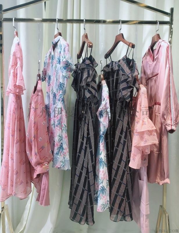 廣州太平鳥 精緻潮牌連衣裙 品牌折扣女裝