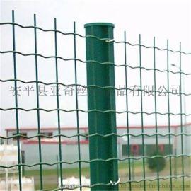 镀锌勾花网  足球场围栏网  金属围栏