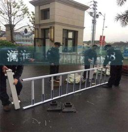 道路隔离带防撞护栏 高速公路塑钢道路护栏定制批发 城市围挡