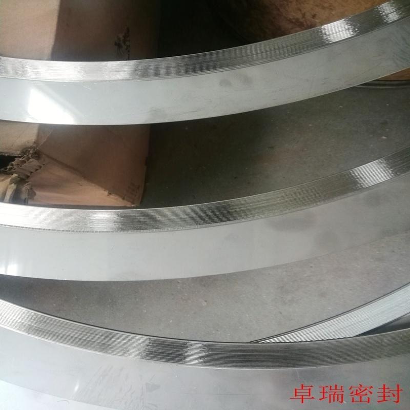 法兰金属齿形垫片 一字筋石墨齿形垫片 固定外环金属齿形垫片源头厂家 卓瑞