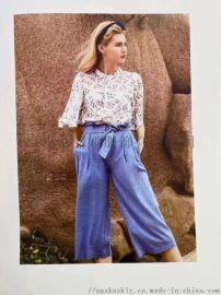 品牌折扣女装**显瘦版牛仔裤尾货折扣批发