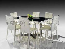 鑫广意餐桌餐椅配套定做采用**原材料具有靓丽光泽