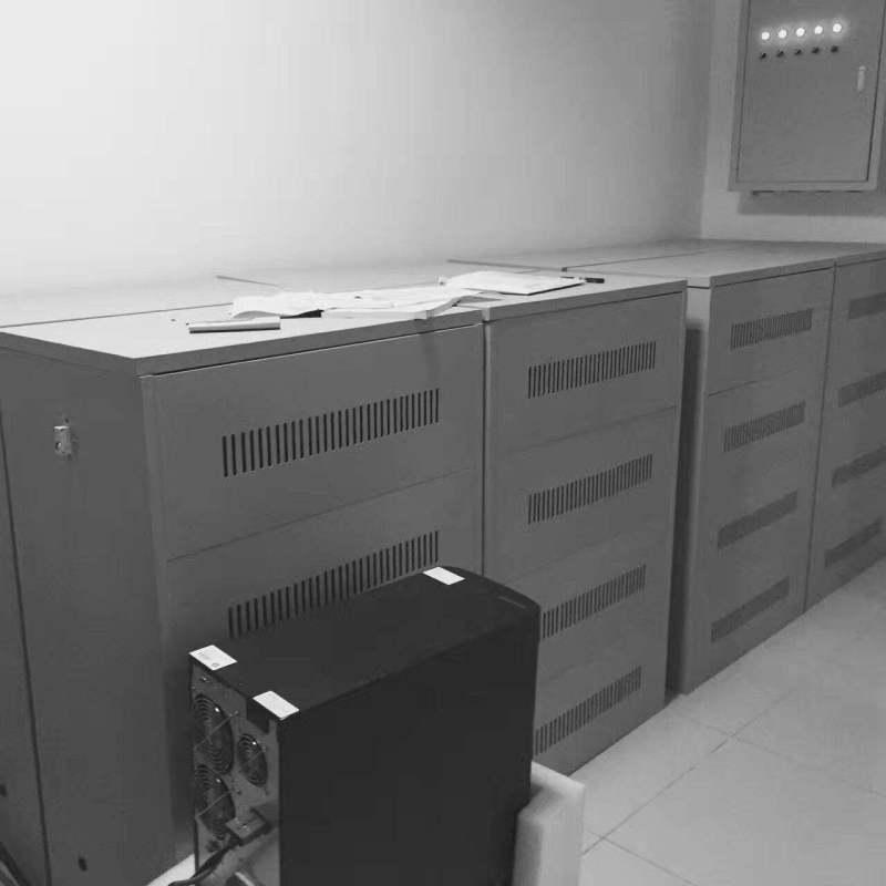 UPS不间断电源30KVA/24KW三相现货