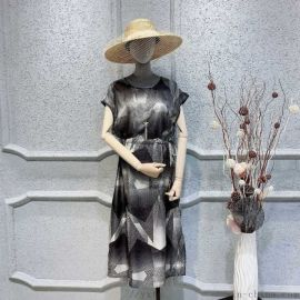 达衣岩女装加盟长春四马路她衣柜女装尾货小西装女装品牌折扣店加盟