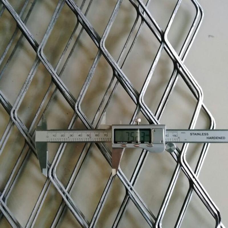 镀锌钢板网 不锈钢菱形网 钢板网护栏网片