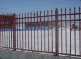 鐵藝護欄使用於小區的防護網