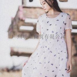 服饰阳光里的汀兰品牌折扣女装剪标尾货