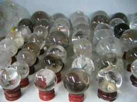 天然水晶球
