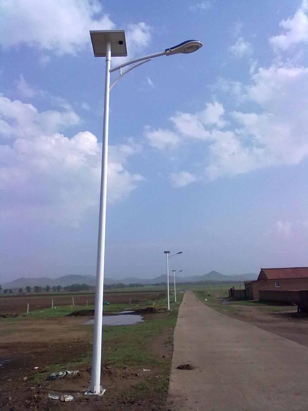 浩峰厂家**洞口、武冈太阳能路灯农村太阳能路灯LED照明太阳能