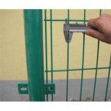 双边丝护栏网安装方式