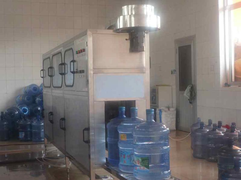 全自动大桶水灌装机设备