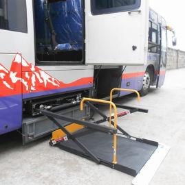 旅游车行李舱内残疾人老年人轮椅升降平台