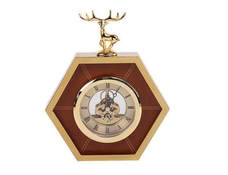 簡約創意金棕色六邊形金屬皮革鹿頭仔鐘錶時鐘擺臺座鐘樣板間擺件