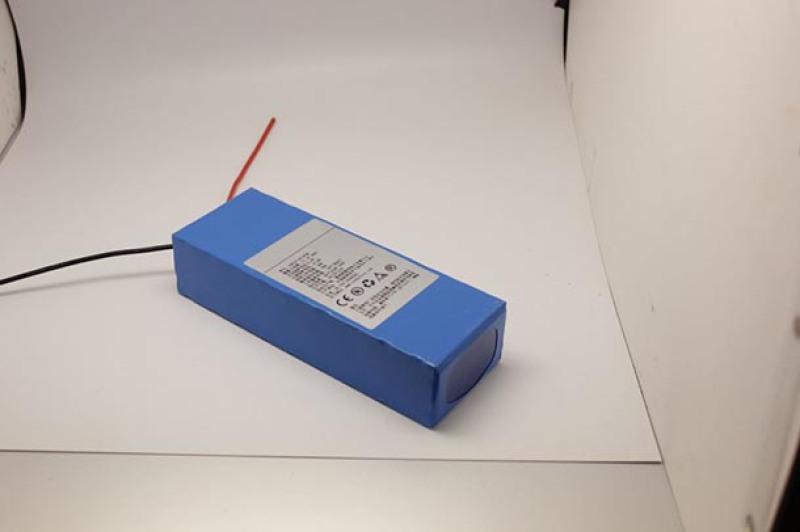 源頭廠家直供12V-28Ah 通訊後備儲能鋰電池